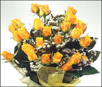 Bunch_of_15_fresh_yellow_roses
