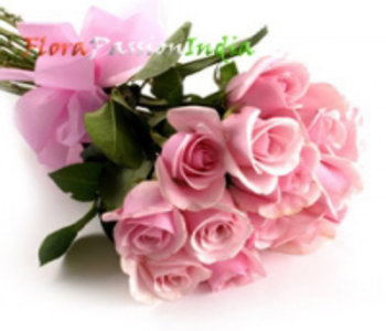 Bunch-of-12-pink-roses