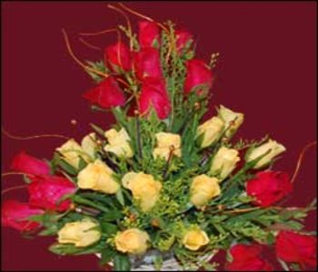 12_yellow_and_13_redroses_basket